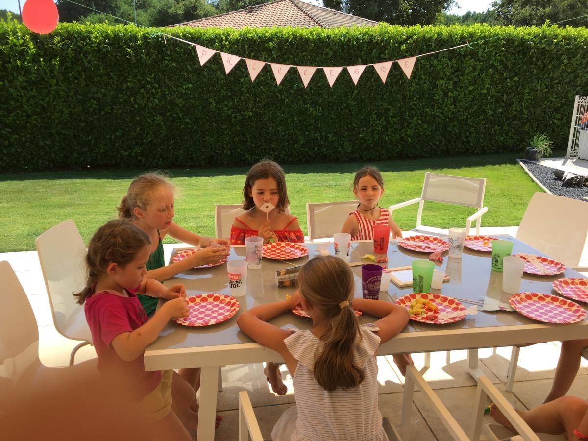 Un anniversaire idéale pour Camillette la princesse (partie1)