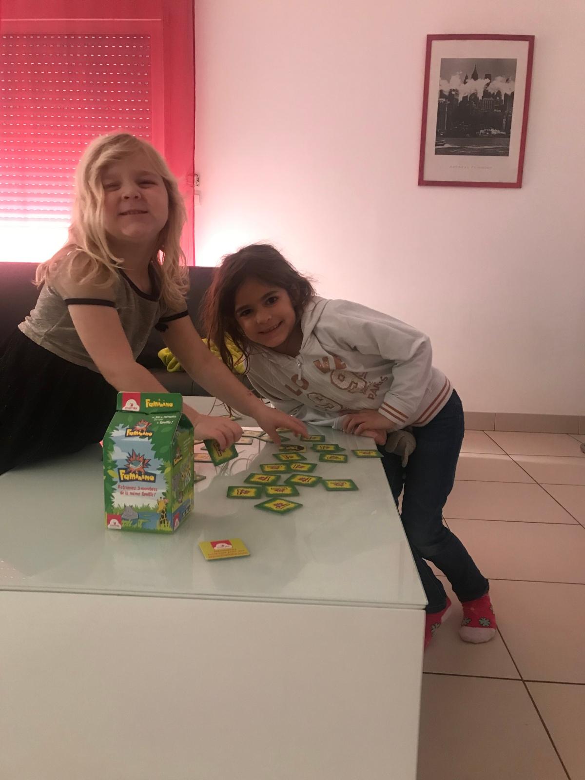 Faminimo: un jeu idéal pour s'amuser enfamille!