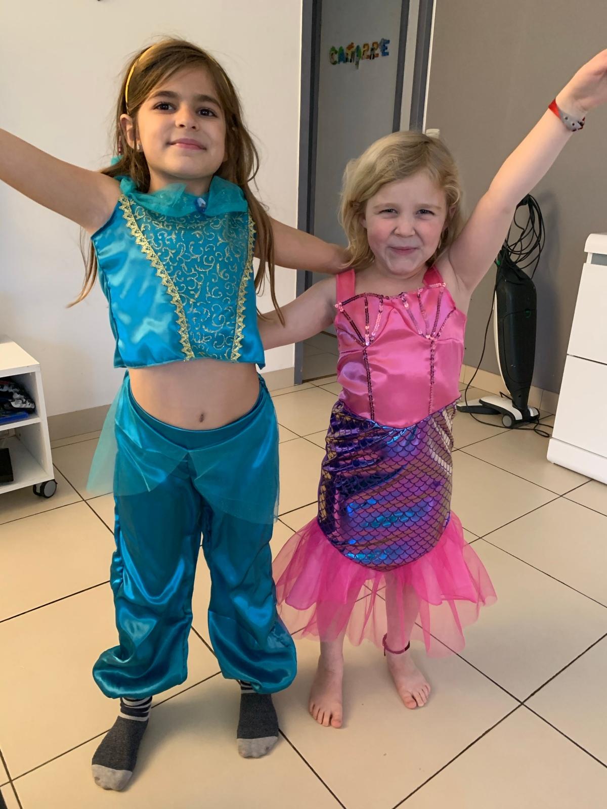 Avec Maxi Toys, deux magnifiques princesses pourcarnaval!